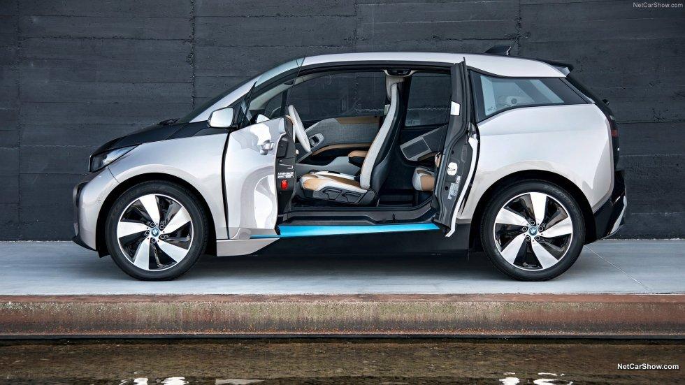 BMW äger ju trots allt Rolls Royce.