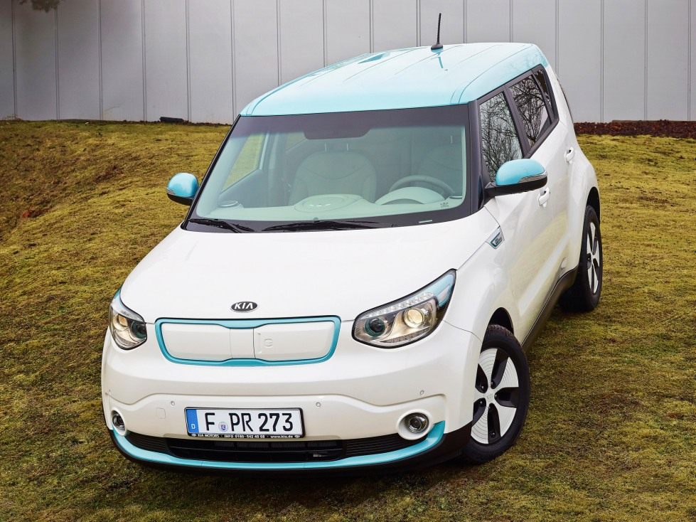 2014-Kia-Soul-eV-Europe-White-Car